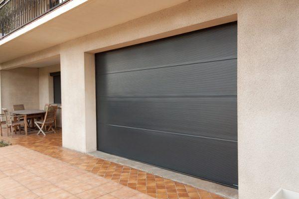 Porte de Garage Microrainurée laquée