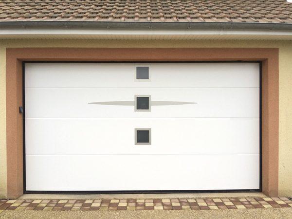 Porte de garage Sans rainure ellipso hublot carré blanche