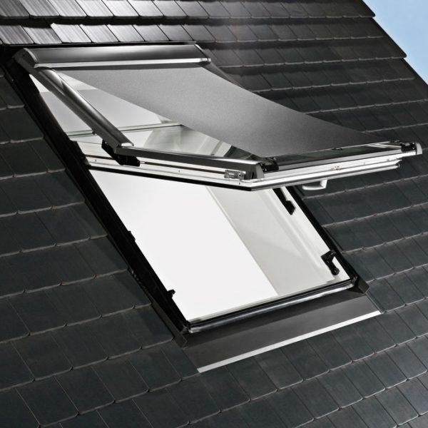 Store screen pour fenêtre de toit