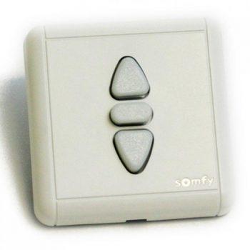 Simples = Interrupteur classique, sans fil ou télécommande
